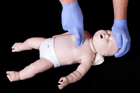Teething Baby needing CPR because of Benzocaine or teething necklace